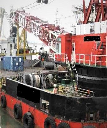 OFFSHORE CRANE BARGE C/W REVOLVING 250TONS CRANE CAPACITY ON PROMPT SALE - DIRECT OWNER