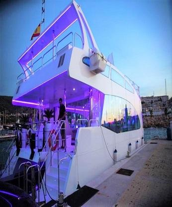 LUXURIOUS, NICHE CATAMARAN FOR PRIVATE DAY CRUISING AND EVENTS ON PROMPT SALE